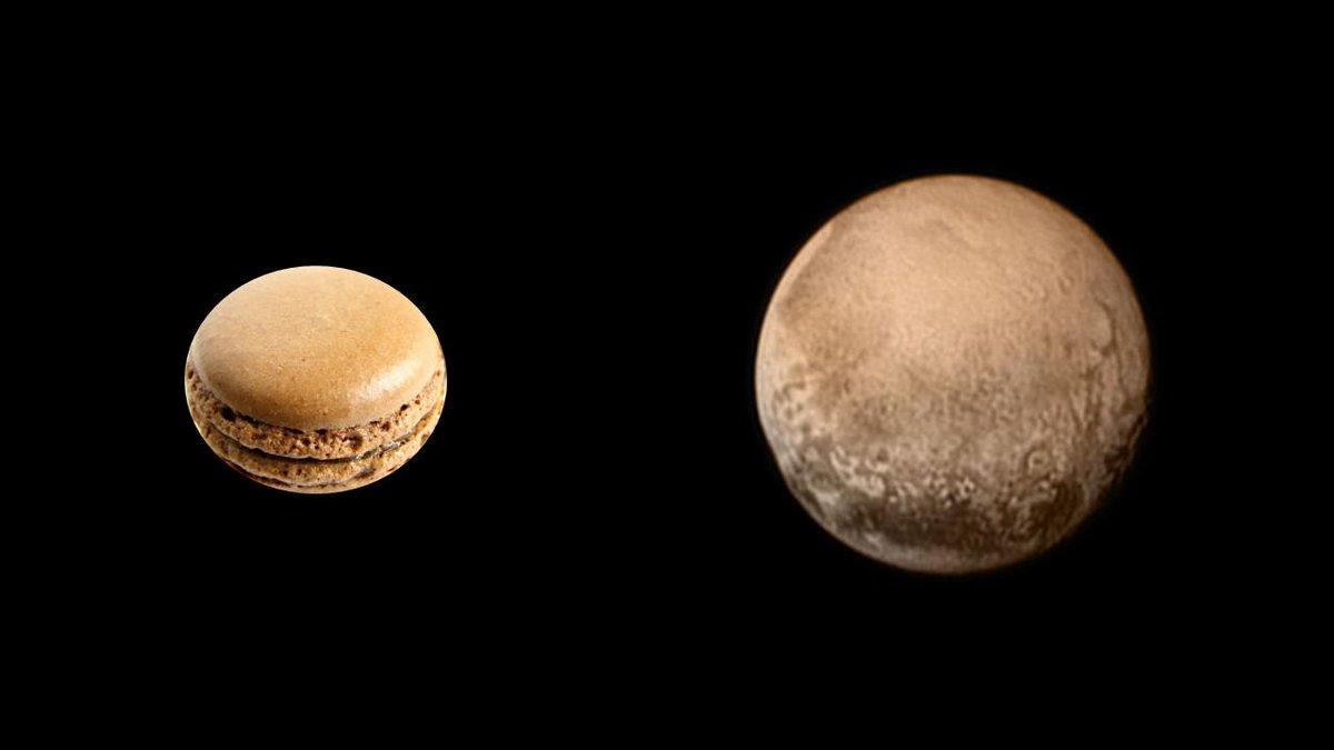 冥王星とマカロン http://t.co/kPW2C0vq7l