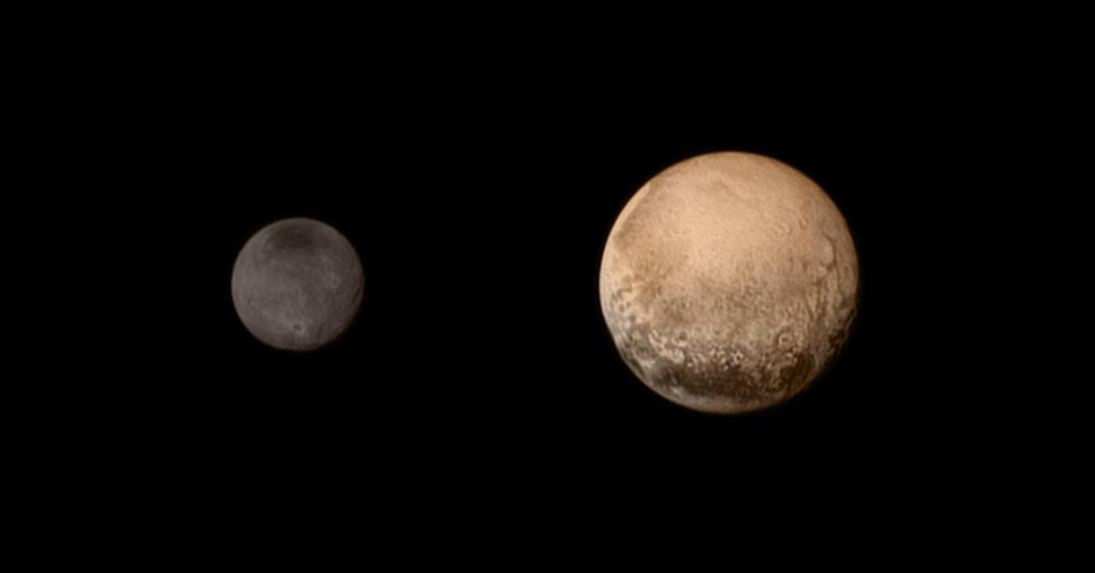 Pluto is red, like Mars. That shouldn't be possible given distance from the Sun #PlutoFlyby http://t.co/mCtSObiUcv http://t.co/hfC4aG3BWC