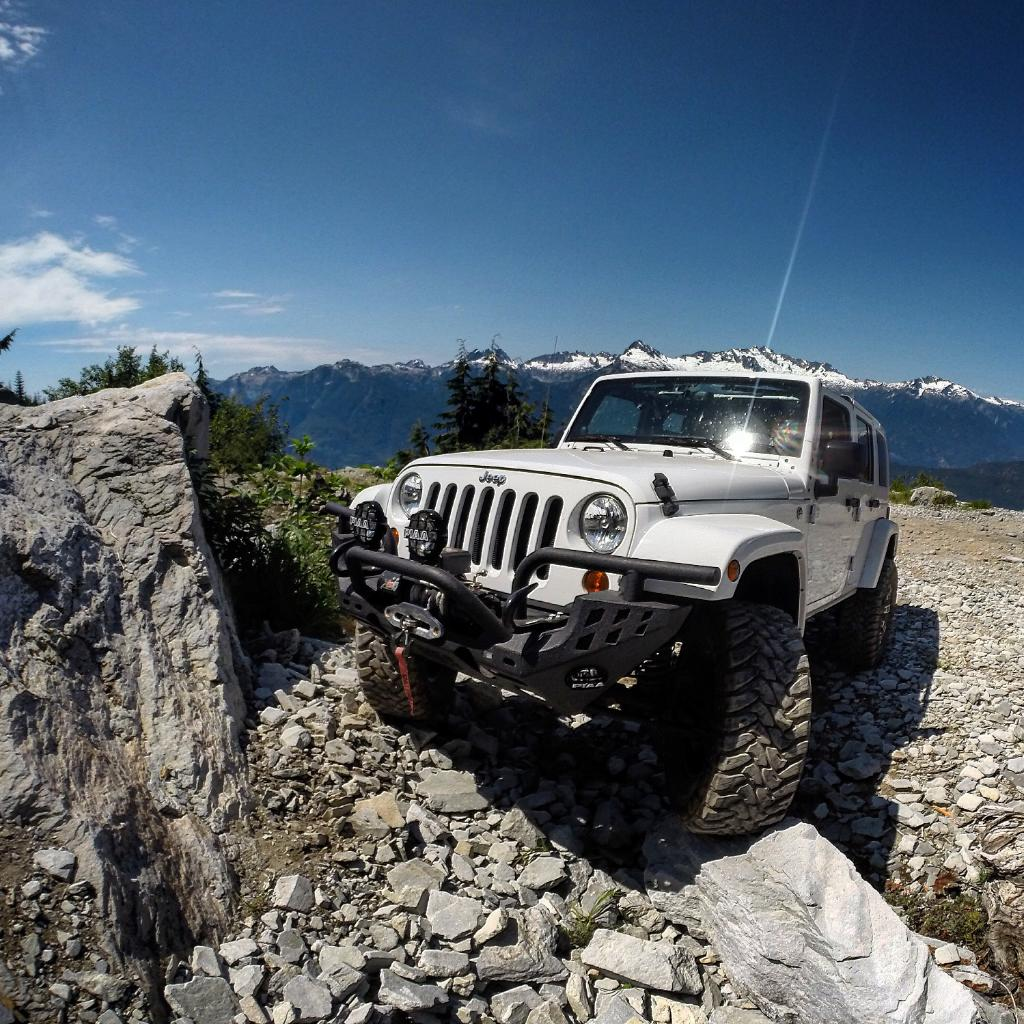 High altitude for soaring adrenaline. #TrailTuesday (Photo cred: Andrew B). http://t.co/SdSlS0QBeG