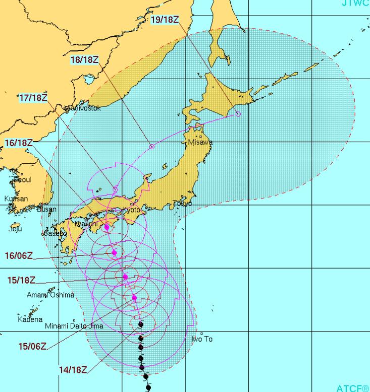 今朝発表された台風11号の進路予想図です。  結構東寄りに進路を変えてきているようです。  予想進路沿岸地域の方たちは、今後の最新情報には十分気をつけて下さい。 http://t.co/M54R6uzkmf