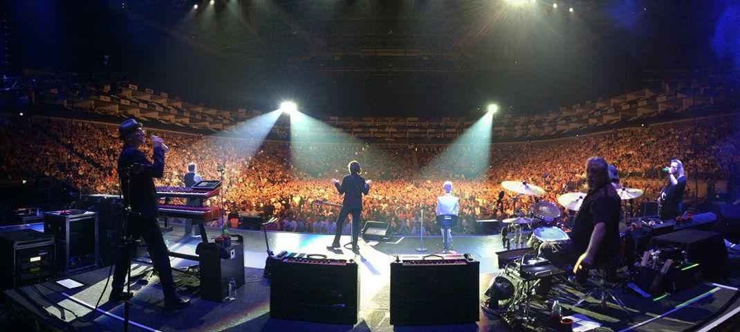 Sold out O2 Arena in London last night with Roxette. Awesome! /P. http://t.co/sL64tSifrq