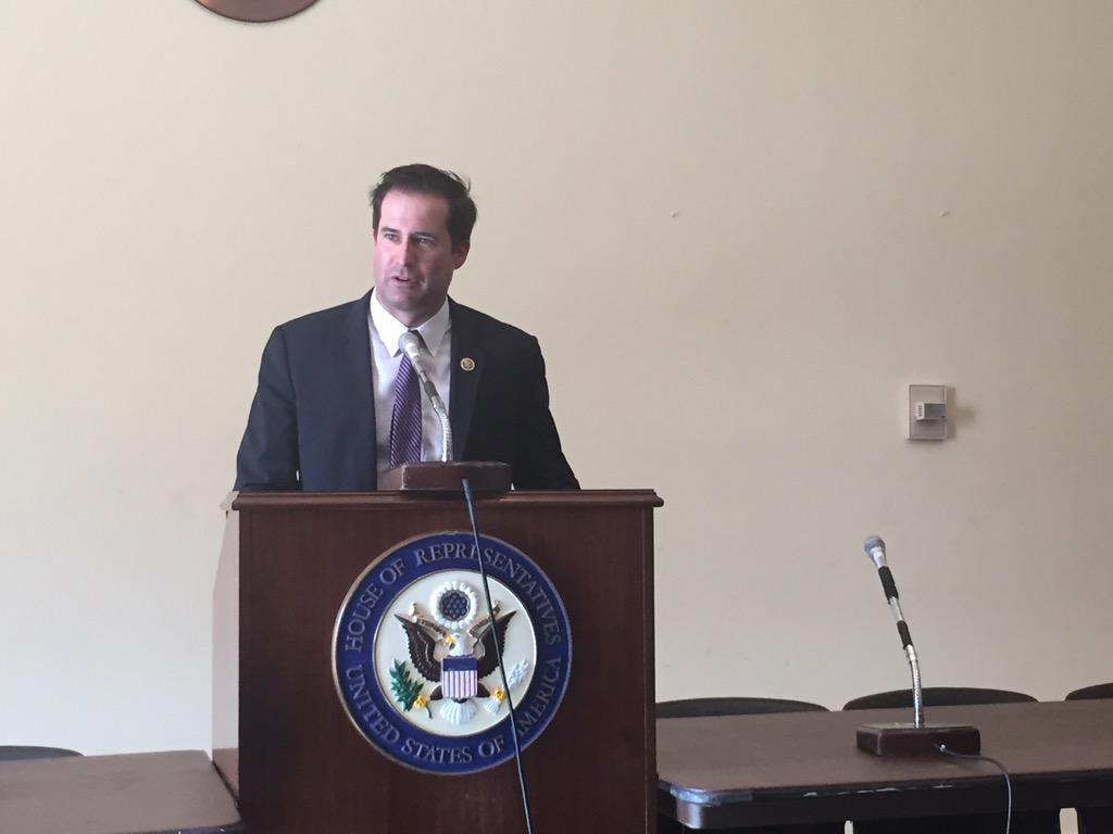 """it's incredibly important that more young people get involved in public service."" -- @sethmoulton #Service2Politics http://t.co/hIkKf4m5TK"