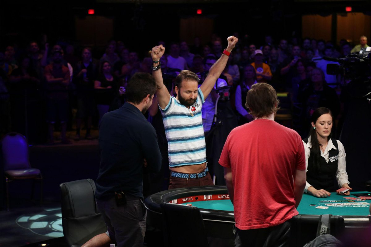 Just before the dinner break @RealKidPoker got a much needed double up. Now sitting on 5.9M with 13 left. http://t.co/l7f6xU9Nea