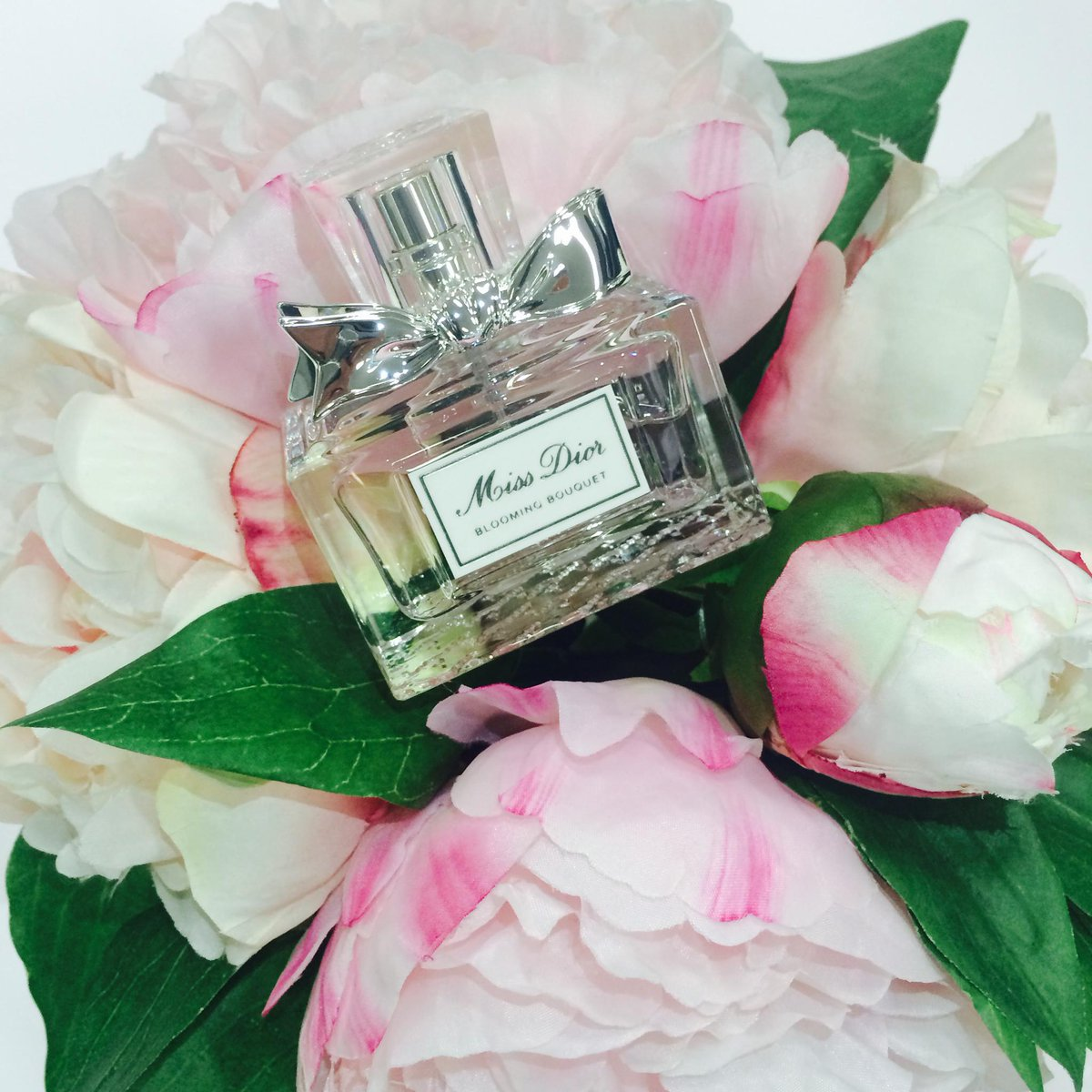 Embrace summer with miss dior blooming bouquet 30ml edition perfect embrace summer with miss dior blooming bouquet 30ml edition perfect handbag size http izmirmasajfo