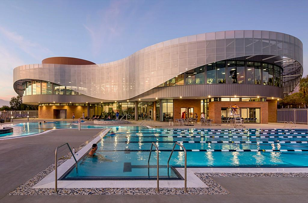RIVERSIDE: UCR recreation center impresses with its architecture http://t.co/hIYSDdWCME via @PEcom_news @UCRiverside http://t.co/hpYtCPfcob