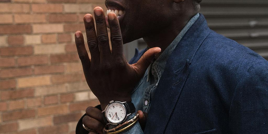 .@memsor shows off his new #Tourneau #watch at #NYFWM! Shop this TNY: http://t.co/hozERerG92 #TourneauTrends http://t.co/4gPOdZeCyc