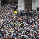 Tras 9 años de pelea por la dignidad, Valencia ha llenado la plaza junto a la @avm3j por última vez #GràciesAVM3J http://t.co/MoQvV178sA