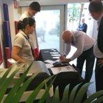 Duran i Lleida ha signat avui per Josep Maria Bartomeu. Pensar. http://t.co/Ghi05RLQe4