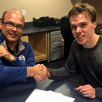 The #Oilers have agreed to terms with 2015 first-overall pick @cmcdavid97 on a three-year entry-level contract! http://t.co/D6wBFRcrrU