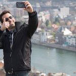 Tourist takes selfie in Brighton, arrested on terrorism offences http://t.co/uZ9vTT0OFP http://t.co/VkSX1Ie6XY