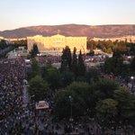 En media hora empezamos. @hora25 desde Syntagma, Atenas. Frente al Parlamento, mitin por el NO. #LaSERenGrecia http://t.co/1LlkQQmorI