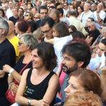 .@jordievole presente en la plaza, fiel a su compromiso con las víctimas del Metro @avm3j Nunca más #0responsables!! http://t.co/zfQYd8Hn8J