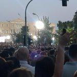 Syntagma ahora. No cabe un alma. http://t.co/wjysvLXIjw