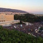 Enorme manifestación en Grecia a favor del no. Plaza Syntagma rebosa valentía y soberanía frente al austericidio #OXI http://t.co/Jh9c9VovKc