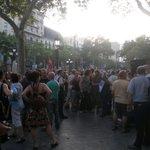 Ara mateix, concentració davant seu de la UE a #Barcelona en solidaritat amb Grècia #JoVaigAmbGrècia. http://t.co/IqWhbb7VQS