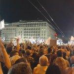 Syntagma despide a Tsipras como le recibió: OXI, OXI, OXI http://t.co/OdpSaOn9ll