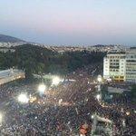 Una massiva mobilització a Atenes diu NO al xantatge de la Troika #NoalaTroika #Greferendum #oxi http://t.co/HA88GEZ2xE
