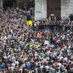 Última concentración en la plaza de la Virgen http://t.co/NoVE0mghHw de la @avm3j http://t.co/vwyxiLuwFc