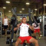 En la sesión vespertina se realiza trabajo de gimnasio en las instalaciones de @lalomaqueretaro #PretemporadaTiburón http://t.co/cYQ0BDvRUl