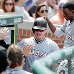 Justin Bour hits a home run for his 4th straight game as Marlins beat Cubs, 2-1. http://t.co/f0a5M4HMSP