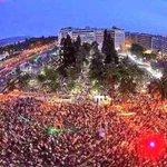 #Syntagma Que gran ejemplo de Dignidad y Democracia. #OXI #OXI #OXI...!! http://t.co/p3Zp2nplYg