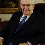 President Boyd K. Packer dies at age 90 http://t.co/ptYDevBCmW #LDS http://t.co/IubQzKkQpH