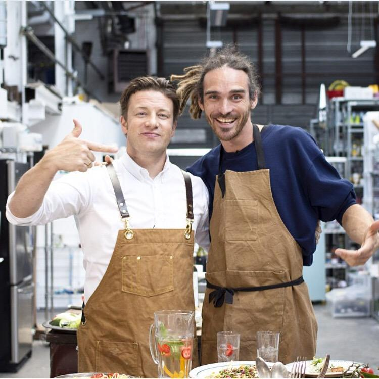 RT @funforlouis: Did some more filming w/ @jamieoliver I love this guy! He's become a genuine friend #gofollow https://t.co/f5GO10ta5i http…