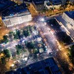 Impresionante lo que se ha vivido hoy en la Plaza Syntagma.. Una multitud gritando #OXI #OXI #OXI #OXI #OXI #OXI #OXI http://t.co/fZDgqUwfYM