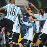 Un día para lo que todos los argentinos esperamos ... la gran final #copaamerica2015 ... vamos argentina todos unidos http://t.co/pH5kehPro5