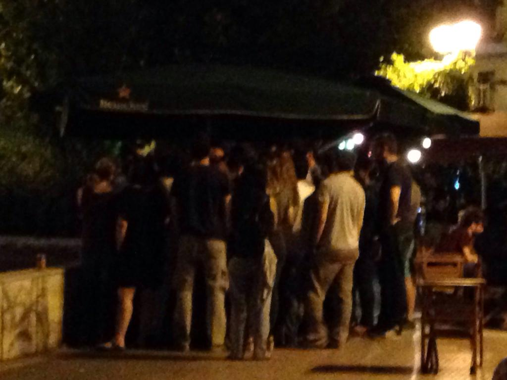 Αγορά στην πλατεία Μαβίλη με τον @yanisvaroufakis http://t.co/YYLCb8vzbs