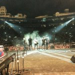 GRACIAS VALENCIA!!!!! OS QUIERO!!!!! #TourTerralValencia #noche2 http://t.co/wu4c0GQaO2