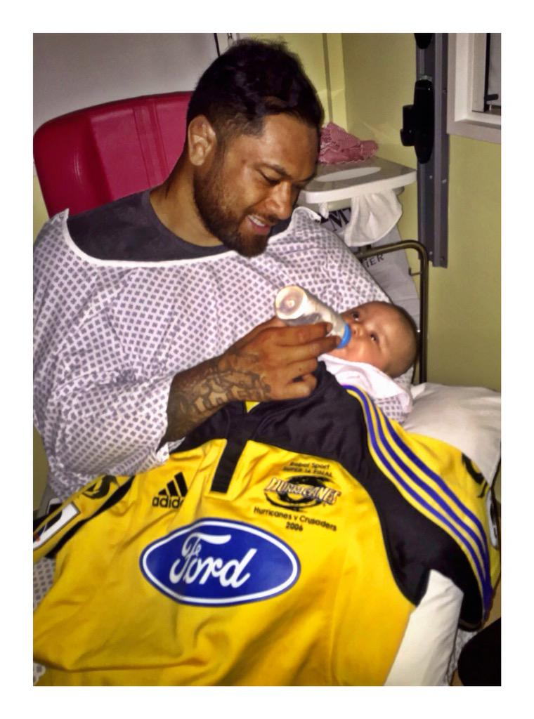 Ayla in her Daddy's @Hurricanesrugby jersey ready for #SuperRugbyFinal we bleed #BLACKandYELLOW good luck brothers! http://t.co/H5Qyf3ERNY