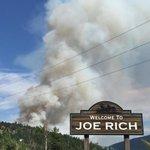 Evacuations ordered for Huckleberry fire near #Kelowna http://t.co/PkYhJGNz8E http://t.co/RuGdefK5CK