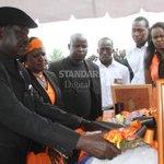 Leave Kalonzo Musyoka alone, CORD leader Raila Odinga tells Deputy President William Ruto http://t.co/7xN0y6erQF http://t.co/mFv27l1Hov