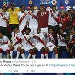 #FOTOS #PerúvsParaguay: Artistas celebran podio en la #CopaAmericaChile2015 http://t.co/SyDReOKsVm http://t.co/GDoKHx7Tlq
