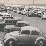 #SCARBOROUGH BEACH, 1964 - Jammed with cars on busy weekend. #Perth @CityofStirling @tweetperth @abcnewsPerth @RTRFM http://t.co/3S7YMgpXzw