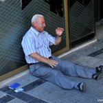 La crisis de Grecia deja multitud de tragedias personales http://t.co/IgFXnCTnFf http://t.co/gluLo8r2x4