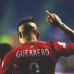 Paolo Guerrero promedia un gol cada 2.5 partidos con selección de #Peru. ✓63 partidos. ✓25 goles. ¡CONTUNDENCIA! http://t.co/59XECRrfrm