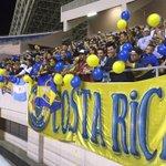 #BocaEnCR Las fotos de los hinchas de Boca en la práctica junto al equipo del Vasco. http://t.co/c1yO6VqC1M
