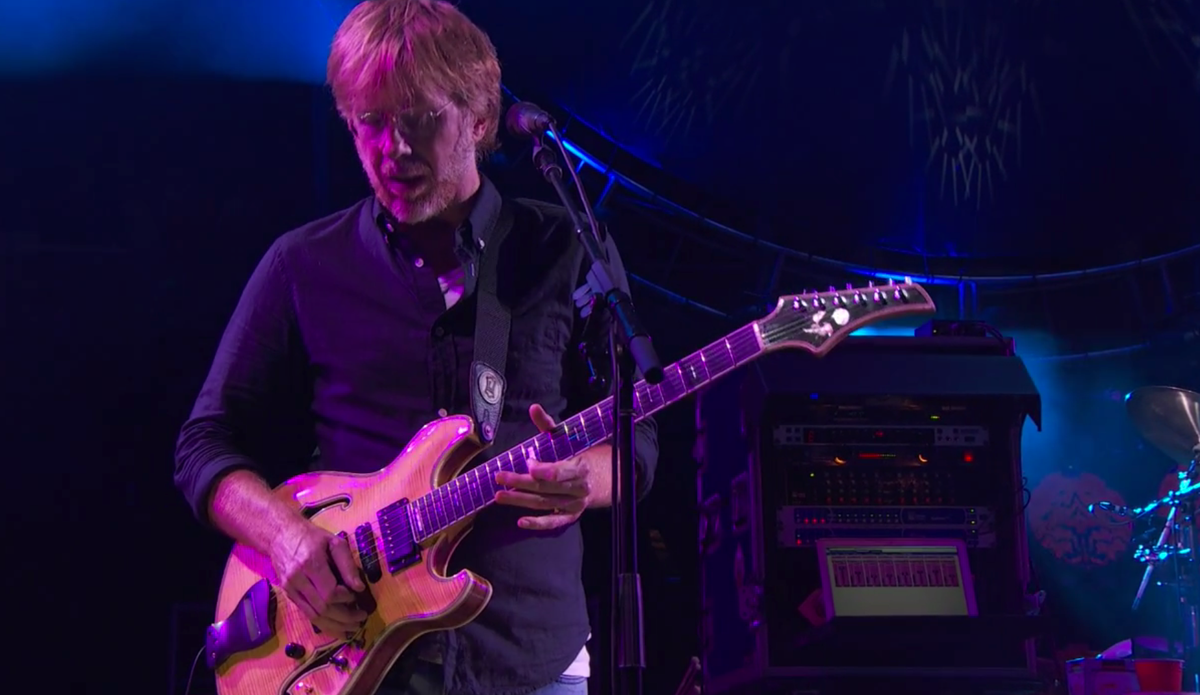 Unbelievably strong performance out of #TreyAnastasio tonight. #FareTheeWell #dead50 http://t.co/8dLSOOpStE