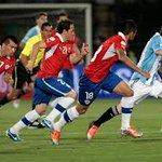 #chile2015 Messi enfrentó cuatro veces a los trasandinos. Y todavía lo están persiguiendo --> http://t.co/XQEnu0VKBT http://t.co/XEEt19uZP7