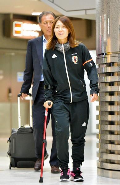 安藤梢選手カナダへ出発! Kozue Ando fliegt nach Kanada!  http://t.co/OSPGA8xq0G http://t.co/l0RyDutVQU