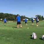 Squadra in campo per la seconda seduta di allenamento della stagione al CS Angelo Moratti #FCIM #ForzaInter http://t.co/93A7e1o6T2