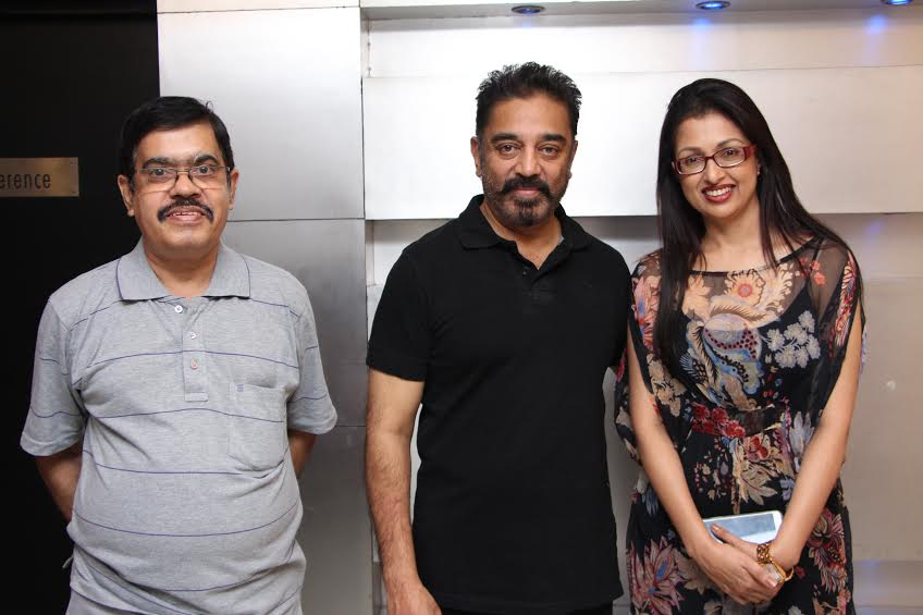 At Paapanasam movie premiere with Suyambu & Rani. It was Gauthami's b'day too. They've lived their roles in the film http://t.co/tZYf25Z2OA