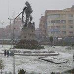 [EN IMÁGENES] Una intensa nevada cubre las ciudades de El Alto y La Paz a cuatro días de la visita del papa Francisco http://t.co/esyEfOzP6x