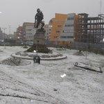 #ÚLTIMO Literal: nevando está #LaPaz, #ElAlto, #papaEnBolivia vía @diarioeldeber http://t.co/U05TyPVkk8
