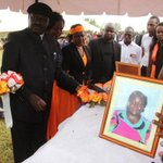 Raila extends olive branch to DP Ruto http://t.co/b4TvdirFR4 http://t.co/pvU2XW5dUF