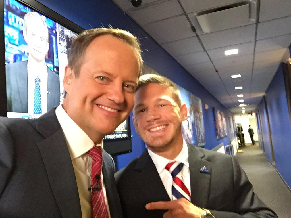 Rick Reichmuth (@rickreichmuth): Best 4th of July ever, getting to meet @chiksdigscars Kyle Carpenter #americanhero #medalofhonor recipient. An honor! http://t.co/BrppOuM6te