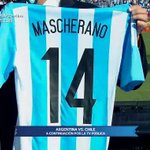 [AHORA] ¡Participá con #SomosArgentina por la camiseta de @Mascherano! #Chile2015 En vivo por la #TVPública. http://t.co/6mEUhACEnK