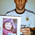 #BuscamosAVairea necesitamos que nos ayuden con los RT. Fue sustraída por su papá el 22/3. Creemos que está en #Chile http://t.co/jp5HphA68K